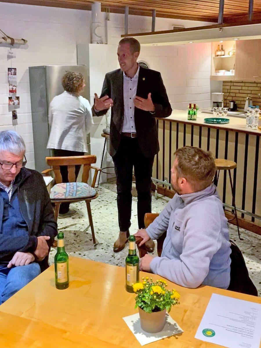 Jahreshauptversammlung TC Alt Garge Ansprache Dennis Neumann
